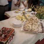 Particolare del tavolo dolci e frutta a Ferragosto