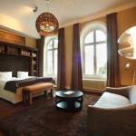 Medium Room (162486151)