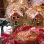 Από τα πολύ αγαπημένα ζαχαροπλατεια.  Παραδοσιακά γλυκά κ υπέροχο μιλφειγ!!  Πολυτέλεια... Που τ