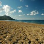Asprokremnos Beach