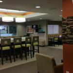 Photo de Comfort Inn & Suites Kannapolis - Concord