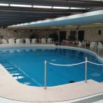 La piscina con il tetto copribile
