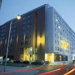 Photo de Novotel Suites Wien City Donau