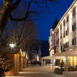 Außenansicht Hotel Corso mit Weihnachtsmarkt