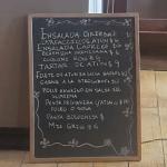 Pasta primavera con Atún Tratar de Atún Zuccini rolls  Delicioso todo!