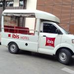 Ibis hotel shuttle bus to the main road