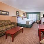 Photo de Holiday Inn Express Hotel & Suites Selma