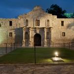 Crockett Hotel directly behind the Alamo