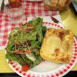 délicieuse salade et cake chèvre miel