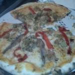 Pizza de atun y anchoas