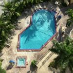 Sparkling outdoor swimming pool/