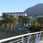 Photo de Garden Court Nelson Mandela Boulevard