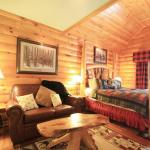 Maine Lake Lodge Suite
