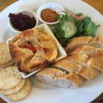 baked brie dipping plate
