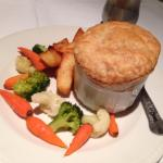 Beef pie with chunky chips