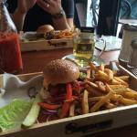 Φωτογραφία: Supreme Burger Grill & Bar
