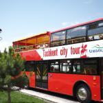 Экскурсионный автобус у отеля Узбекистан