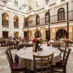 Foto de The Courtyard Restaurant
