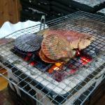 夕食のうちわエビの炭焼き