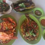 makanan jimbaran cafe salah satu tempat nyaman dan recomended untuk dicoba di kemala beach