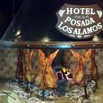 El restaurante partenece al Hotel Posada los Alamos