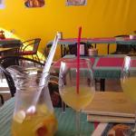 صورة فوتوغرافية لـ Cheers Salud Na Zdorovie
