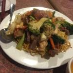 Chow mein with crispy noodles