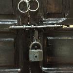 Døren til vores værelse
