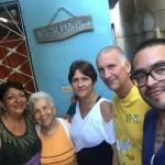 mi mamá, Señora Isis, Isladia, Pablo y yo