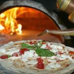 Pizze al forno a legna