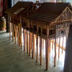 博物館に展示されているロングハウスの模型