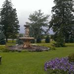 Elm Hurst Inn & Spa beautiful front gardens and fountain