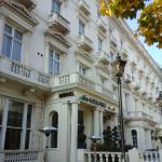 Photo de Holiday Villa Hotel and Suites London
