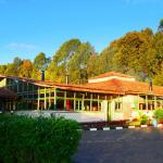 Main Lounge-Le Bambou Gorilla Lodge