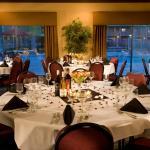 Foto de BEST WESTERN PLUS Hilltop Inn
