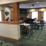 Photo de Holiday Inn Express & Suites Harrison
