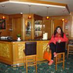 Un bar en la planta baja muy acogedor y bonito