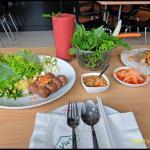 อาหารกลางวันแบบเวียดนาม