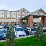 Entrance to Best Western PLUS Calgary Centre Inn
