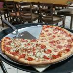 Corrado's Pizza의 사진