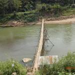 近所の竹の橋 有料です