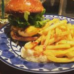 Hamburger & Bar; Uchu Sakaba
