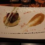 Foie gras poêlé aux pommes et caramel de cidre