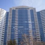 """Жилой дом, в котором находится на 25-м этаже отель """"Пальмира"""""""