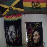 Banderas en el cuarto de Bob Marley