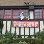 Entrance - Pea Soup Andersen's Photo