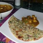 Butter Onion Kulcha with Panner