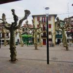 Rue principale pour restos et boutiques