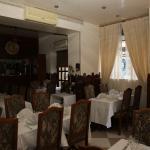 PARIS. Restaurant Jardin du Kashmir. Décor simple mais raffiné.