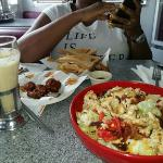 Johnny rockets chicken wings, salad and coffee shake